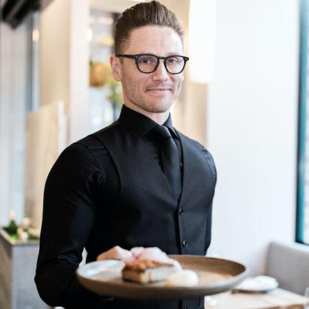 A La Carte Waiter